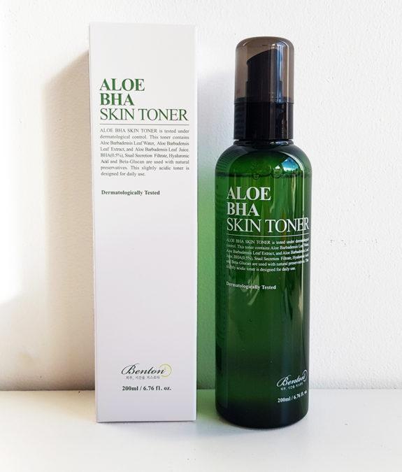 Aloe BHA Skin Toner -kasvovesi ja pakkaus
