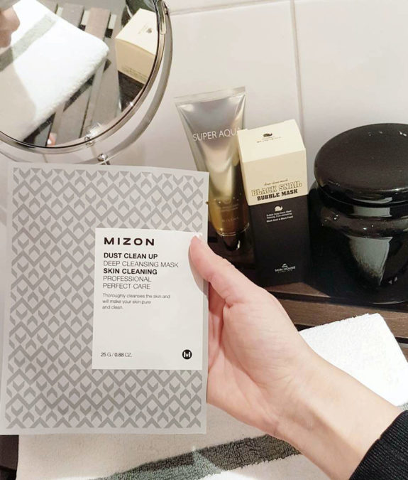 Dust-Clean-Up-Deep-Cleansing-Mask