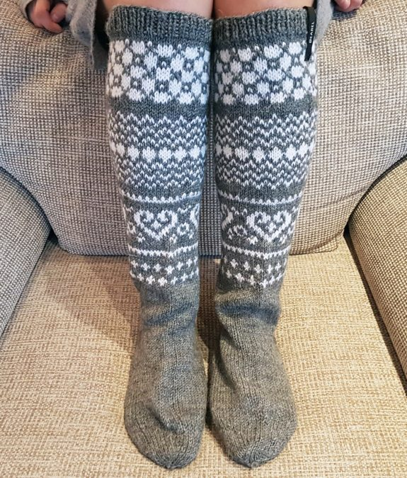 Cosy-Holidays-knee-hight-socks-Bearel-4