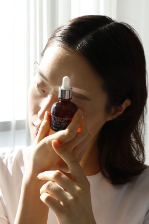 Kauneusboksi - rasvoittuva iho: Snail ampoule