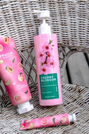 body lotion holika holika ja frudia