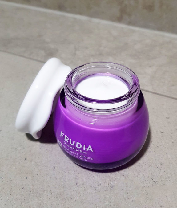 Frudia Blueberry Hydrating Intensive Cream 4
